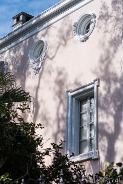 New Orleans facade